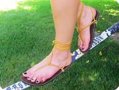 Our stylish leather lacing option provides a bohemian look for our Earth Runners. Earthing sandals.