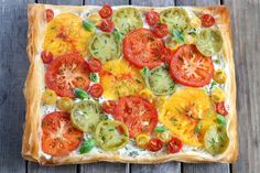 Tarte fine aux tomates multicolores et pâte filo.