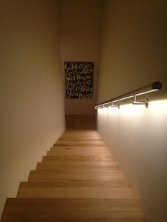 ILLUNOX verlichte trapleuning   particuliere toepassing, Tilburg, LUMIGRIP   trapleuning met LED
