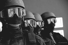 MEN in BLACK-Batalhão de Operações Policiais Especiais (BOPE)