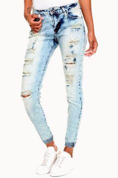 JEANS DESTRUCTED COLD WASH   $79.900 Compra en Colombia este y muchos otros productos fashion desde nuestra tienda www.bonitas.com.co  tenemos outfits, accesorios, zapatos, maquillaje y mucho más para ti.