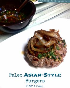 These Asian Style Burgers are a delicious way to mix up the typical burger! Serve with my Garlic Ginger Bok Choy Sauté. Primal Recipes, Whole Food Recipes, Healthy Recipes, Paleo Ideas, Alkaline Recipes, Paleo Food, Healthy Treats, Paleo Dinner, Asian Style