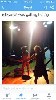 oh<<<<how can you not repin this<<don't hate me if I get Thai wrong but is Ashton playing the guitar again??