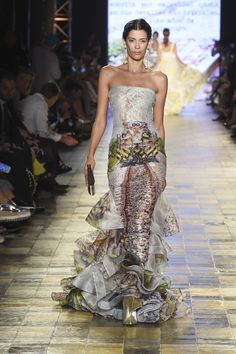 Silvia Tcherass SS2017  Printed lace gown with ruffled train