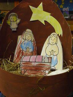 kerststal met houten kaasdoos