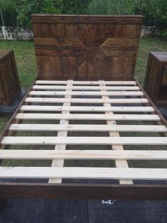 recycled-pallet-bed