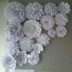 White flowers backdrop Paper Flower Wall, Paper Flowers, Diy Flowers, White Flowers, Hanukkah, Backdrops, Floral Wreath, Wreaths, Home Decor