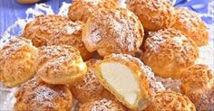 Profiteroles with krakelinom and tender custard Russian Desserts, Russian Recipes, Baking Recipes, Dessert Recipes, Good Food, Yummy Food, Sweet Pastries, Sweet Cakes, Homemade Cakes
