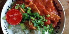 Zeg 'kip', en denk gelijk rijst, Aziatisch, gember, Chicken Tonight van Knorr… Kortom: makkelijk en snel. Maar… er kan nog veel meer met kip. Elders in de wereld weten ze er ook wel raad mee.