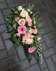 Chelmsford Florist: Sympathy Bouquets, Sprays, Crosses, Coffin Sprays and Wreaths Casket Flowers, Grave Flowers, Funeral Flowers, Wedding Flowers, Arrangements Funéraires, Tall Flower Arrangements, Funeral Floral Arrangements, Funeral Sprays, Cemetery Decorations