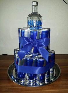 Torte für Männer – Presents for boyfriend diy Birthday Cakes For Men, Best Birthday Gifts, Man Birthday, Birthday Presents, 18th Birthday Present Ideas, Homemade Gifts, Diy Gifts, Liquor Gift Baskets, Bolo Fack