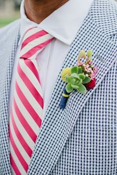 super cute and unique boutenier for groomsmen or groom