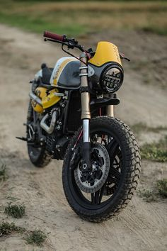 "Honda ""Eat my dust"" by Cardsharper Customs Seen loads in Vietnam 🇻🇳 Cx500 Cafe, Honda Scrambler, Honda Cx500, Scrambler Custom, Scrambler Motorcycle, Custom Motorcycles, Custom Bikes, Cars And Motorcycles, Honda 500 Cx"
