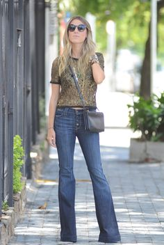 Cropped na medida certa!!! <3  http://www.glam4you.com/2013/03/meu-look-flare-jeans-cropped/