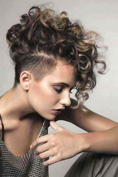 You must want to Style your curly hair with the best hairstyle option for this whole Summer. Not it? These ideas are such best Hairstyles For your Curly Hair for this summer. Click fast and decide which one you will choose for yourself..#summerhairstyles #summerhairstylesforcurlyhair Mohawk Hairstyles For Women, Short Haircuts With Bangs, Haircuts For Curly Hair, Summer Hairstyles, Short Bangs, Layered Hairstyles, Pixie Haircuts, Beautiful Hairstyles, Short Layered Curly Hair