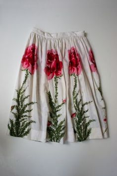 Smell the roses in this lovely #vintage skirt from The Style Armory.