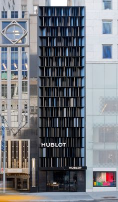 Hublot Fifth Avenue in New York City, retail architecture and interiors by Peter Marino. Photograph by Adrian Wilson High Building, Building Facade, Building Exterior, Building Design, Retail Architecture, Contemporary Architecture, Architecture Details, Black Architecture, Amazing Architecture