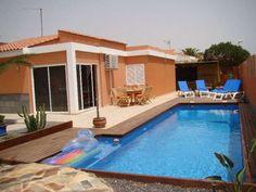 Sunshinevilla Wellness - 3 Bed Villa for rent in Parque Holandes Fuerteventura sleeps up to 6 from £800 / €940 a week