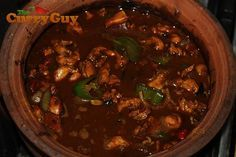 This is the best and most popular Sri Lankan chicken curry around. Here best selling cookbook author Dan Toombs aka The Curry Guy share his recipe. Indian Food Recipes, New Recipes, Cooking Recipes, Ethnic Recipes, Chicken Stuffed Peppers, Stuffed Green Peppers, Red Peppers, Sri Lankan Chicken Curry, Black Pepper Chicken