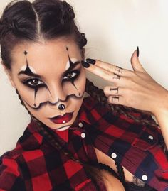 Clown Halloween Make-up Source by jlesmart Clown Halloween Costumes, Cute Halloween Makeup, Halloween Makeup Looks, Halloween Kostüm, Clown Makeup, Costume Makeup, Eye Makeup, Makeup Tips For Beginners, Celebrity Makeup