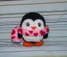 Amigurumi Penguin with Heart Scarf - free crochet pattern