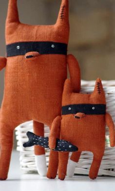 Bandit Fox 'Big Brother' by Adatine - DIY and Crafts Softies, Plushies, Toy Art, Craft Projects, Sewing Projects, Fabric Toys, Sewing Toys, Diy Toys, Handmade Toys