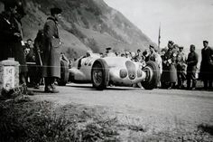 Classic Race Cars, Vintage Racing, F1, Military Vehicles, Mercedes Benz, Boats, Army Vehicles, Ships, Boat