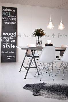 Grey floor rug. Nice!