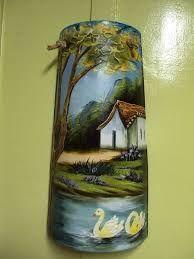 Resultado de imagen para tejas pintadas para jardin Bottle Painting, Oil Painting On Canvas, Painted Fan Blades, Fan Blade Art, Clay Pot Crafts, Painted Wine Bottles, Mural Art, Tile Art, Clay Art