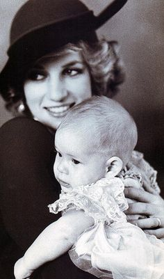 December Prince Harry and his mother Lady Diana posed for a portrait after his christening. Princess Diana Photos, Princess Diana Family, Royal Princess, Princess Of Wales, Prince Harry, Prince William And Harry, Baby Prince, Young Prince, Prinz Charles