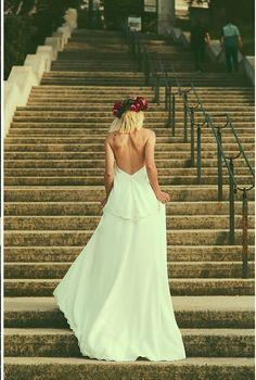 Robe de mariée longue ensemble deux pièces modèle Charlotte par Manon Gontero, disponible en taille 38 au showroom de Juliette se Marie.. #robe #mariage #conceptstore #Aixenprovence