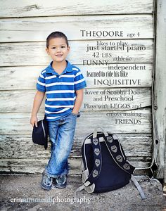 13 Simple Ways Busy Mamás Can Make The First Day Of School Special - School Classroom Set Up Ideas - Einschulung School Photography, Children Photography, Photography Poses, Back To School Pictures, School Photos, School Portraits, Picture Poses, Photo Poses, Boy Photos