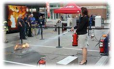 Manipulation des extincteurs ! « La formation de manipulation des extincteurs est en accord avec la demande du code du travail (article R 4227-38) qui indique que chaque salarié doit savoir se servir des moyens de premiers secours de lutte contre un début d'incendie.
