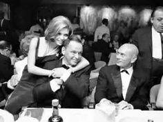 ▶ Frank and Nancy Sinatra: Something Stupid  YouTube