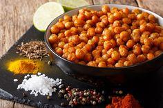 Οι καλύτερες συνταγές είναι αυτές που είναι τόσο εύκολες που καταλήγουν να μην μοιάζουν καν με συνταγές. Όπως αυτό το σνακ από ρεβίθια. Απλό, αλλά νόστιμο και υγιεινό. Chana Masala, Cooking, Ethnic Recipes, Food, Kitchen, Essen, Meals, Yemek, Brewing