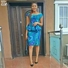 Ankara Skirts for church and the TGIF office outfit, Skirts comes in altered lengths, styles, and abstracts and are staples in every girl's wardrobe. Lace Dress Styles, Ankara Dress Styles, Ankara Skirt, African Wear Dresses, African Attire, Ankara Rock, African Blouses, African Print Fashion, Ankara Fashion