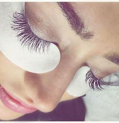 01fad58b04e we're all about Lash Crush Monday How amazing is this mix of volume and  classic done by Champa Ashlee? We love eyelash extensions!