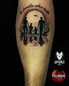 Been looking for a family tattoo for a while - My list of the most creative tattoo models Daddy Tattoos, Father Tattoos, New Tattoos, Small Tattoos, Tattoos For Guys, Tattoos For Family, Parent Tattoos, Ring Tattoos, Couple Tattoos
