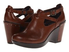 I've been in the mood for clog shoes. Such a nice urban feel to them. These are supercute so far. In love.Dansko Franka