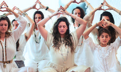 In this Kundalini Yoga video experienced yoga instructor demonstrates several kriyas that are also suitable for beginners. Enjoy the benefits of Kundalini Yoga. Ashtanga Yoga, Vinyasa Yoga, Kundalini Yoga Poses, Kundalini Meditation, Bikram Yoga, Yin Yoga, Yoga Chakras, Yoga Inversions, Iyengar Yoga