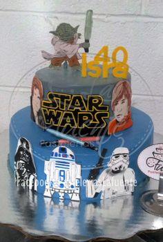 Star Wars Pastel Cubierta de crema con figuras en fondant