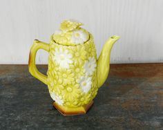 Vintage Teapot Lime Green and White Daisy by cheryl12108 on Etsy