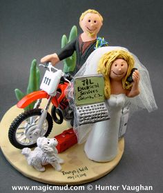 KTM, Honda, Suzuki,Yamaha, Kawasaki….any model of dirt bike can be incorporated into your off road motorcycle wedding cake topper, custom created just for your wedding    $235   #magicmud   1 800 231 9814   www.magicmud.com