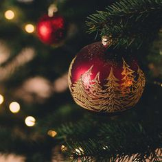 Dry Christmas trees are extremely flammable. To minimize risk of fire, be sure t. - Happy Christmas - Noel 2020 ideas-Happy New Year-Christmas Christmas Countdown, Christmas Carol, Christmas Balls, Simple Christmas, Christmas Home, Christmas Ornaments, Winter Christmas, Christmas Trees, Hallmark Christmas Movies