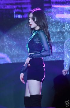 Bae Joo-hyun, known professionally as Irene, is a South Korean singer, actress and television host. Korean Girl, Asian Girl, Ulzzang, Redvelvet Kpop, Red Velvet Irene, Stage Outfits, Girl Body, Seulgi, Girl Crushes