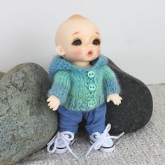 Ravelry:  Wovenflame's Nappy Choo Hoodie in Crystal Palace Yarns Mini Mochi