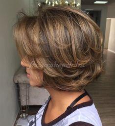 rövid+női+frizurák+50++-+rétegesen+nyírt+bubifrizura