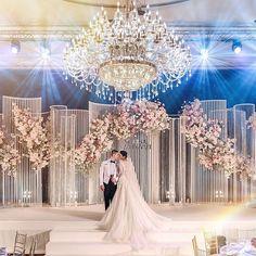 42 Ideas For Bridal Brunch Decorations Center Pieces Flower - Modern Wedding Backdrop Design, Wedding Stage Design, Wedding Hall Decorations, Wedding Reception Backdrop, Wedding Mandap, Wedding Centerpieces, Wedding Designs, Wedding Receptions, Wedding Table