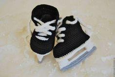 """Для новорожденных, ручной работы. Ярмарка Мастеров - ручная работа. Купить Пинетки для мальчика """"Хоккейные коньки"""". Handmade. Хоккей"""