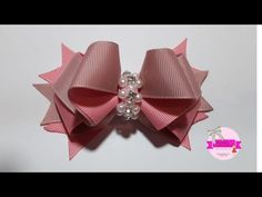Laço Formoso com Fita numero 5- Angela Aguiar - YouTube Diy Hair Bows, Diy Bow, Homemade Bows, Hair Bow Tutorial, Flower Video, Head Accessories, Girls Bows, Paper Quilling, How To Make Bows
